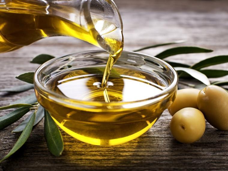 es bueno el aceite de oliva para el pelo